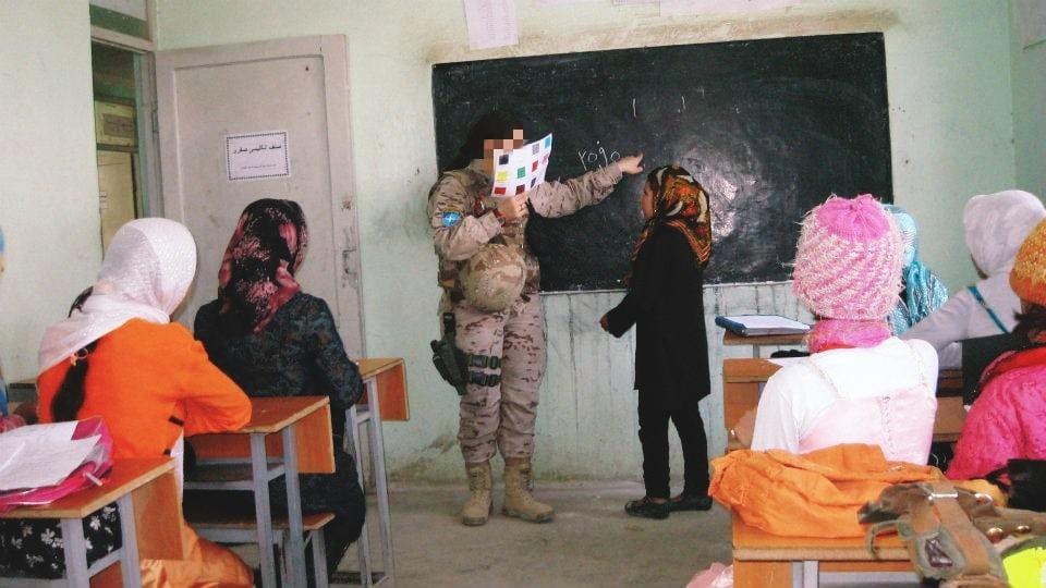 En un colegio de niñas, Qala-e-Naw, 2006